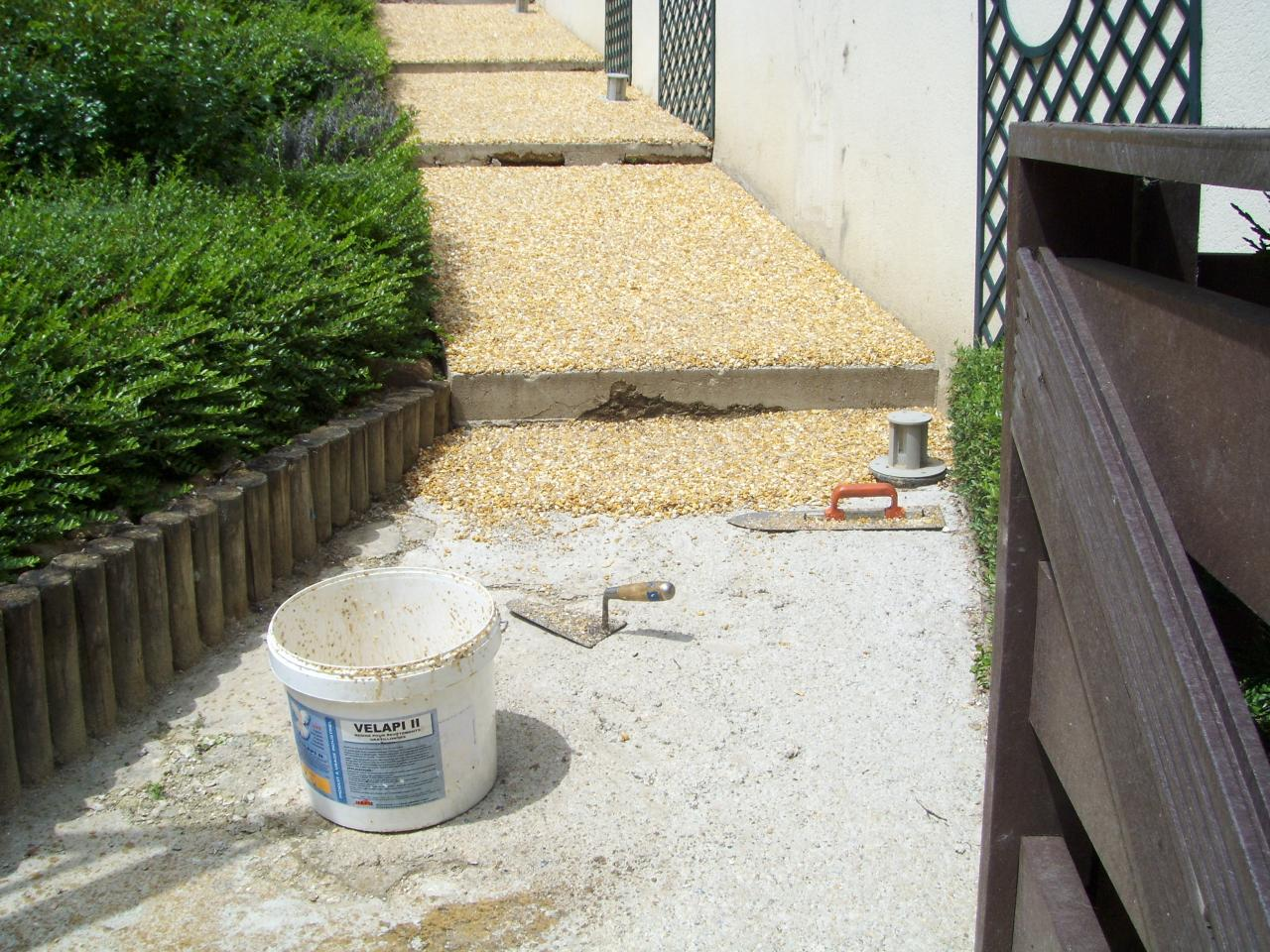 Terrasse en gravier resine for Gravillon blanc prix
