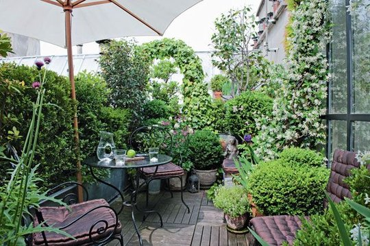 Terrasse fleurie paris for Amenager mon jardin