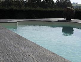 terrasse piscine carrelee 1