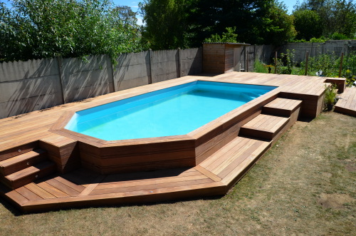 Terrasse piscine hors sol for Piscine hors sol coque rigide