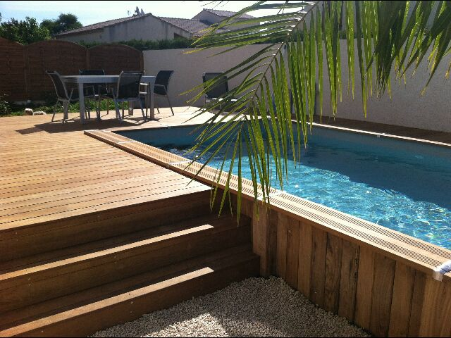 Terrasse piscine nimes for Piscine aquatropic nimes