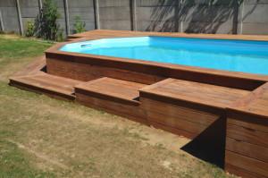 Terrasse bois autour d une piscine hors sol - Amenagement autour piscine bois ...