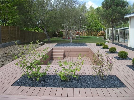 Terrasse composite gravier for Blanc gravier piscine