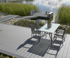 terrasse en bois composite gris 1
