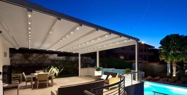 Terrasse couverte toile for Auvent en toile pour terrasse