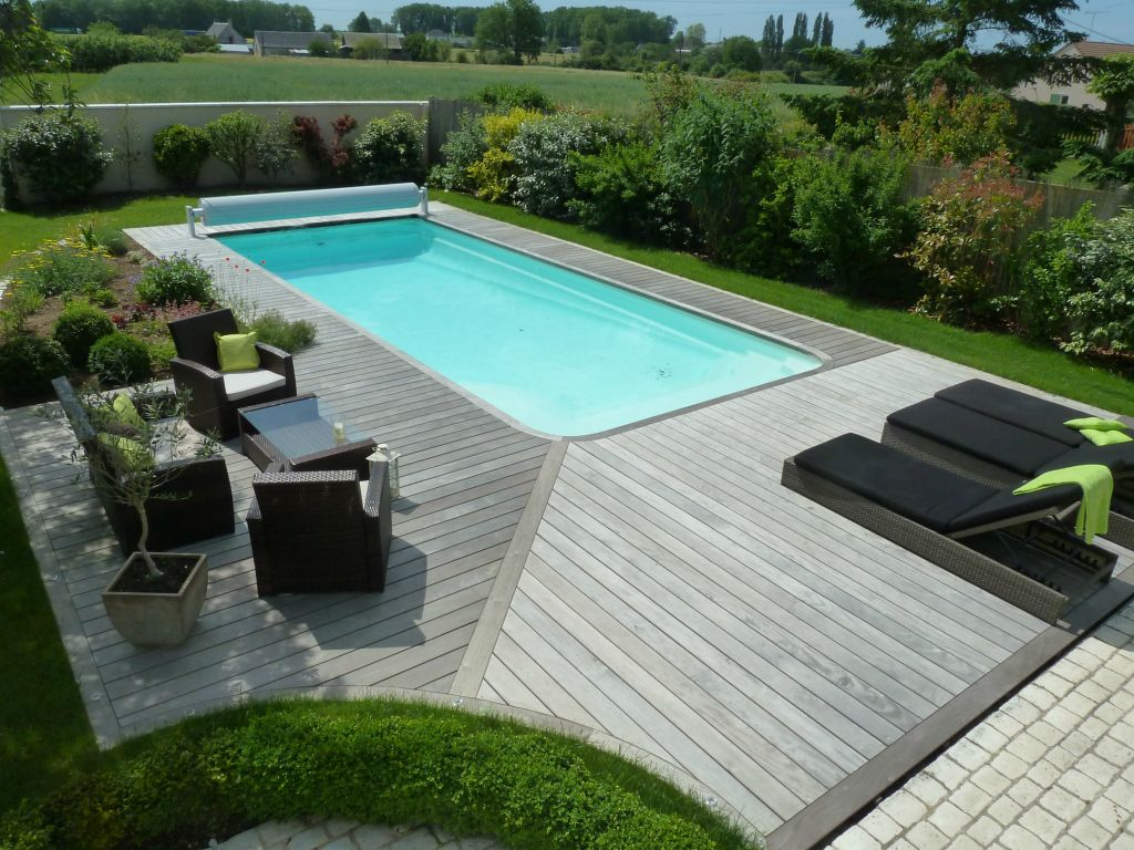 Terrasse dans la piscine for Piscine integree dans terrasse
