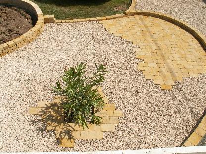 Terrasse en gravier calcaire for Terrasse en gravier concasse