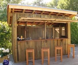 Terrasse milieu jardin for Construire un bar exterieur en bois