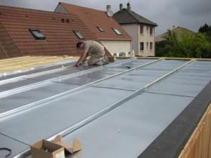 Terrasse bois sur toiture zinc - Comment faire un toit en zinc ...