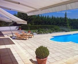 terrasse avec piscine 1