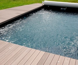 terrasse bois composite pour piscine 1