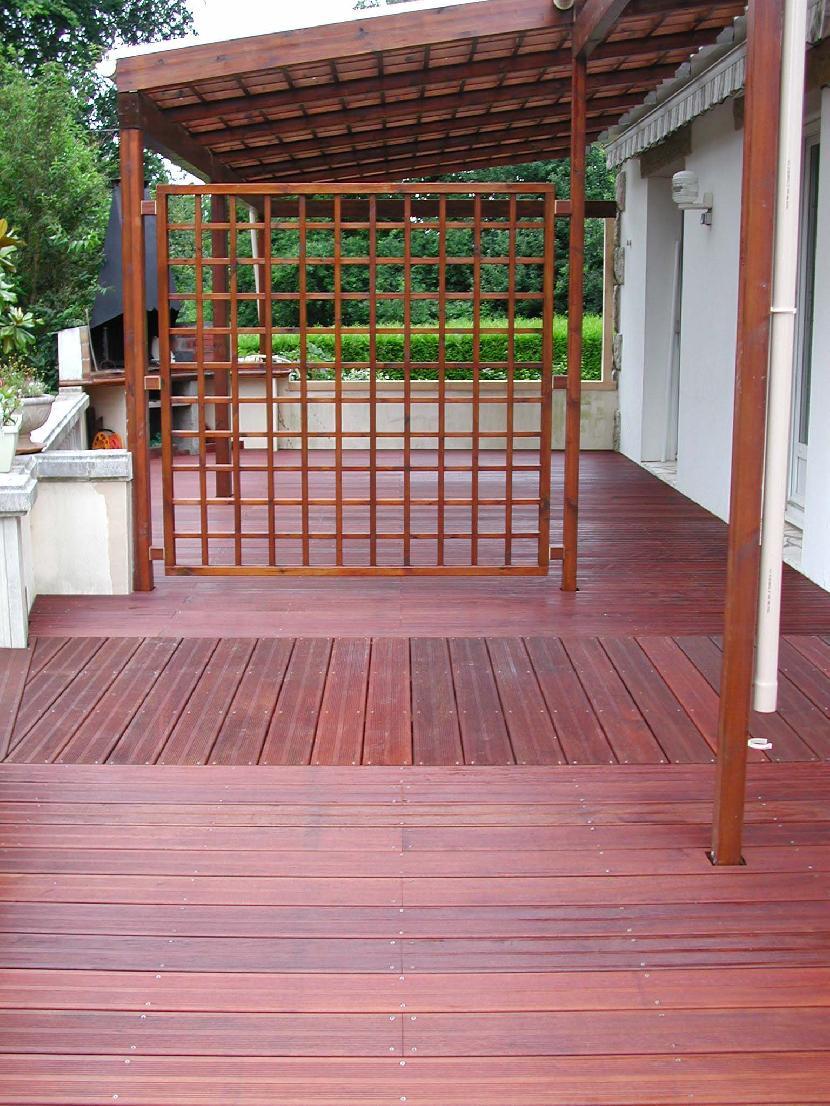 Terrasse bois rouge