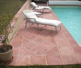 terrasse piscine terre cuite 1