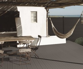 terrasse composite chaud au soleil 1