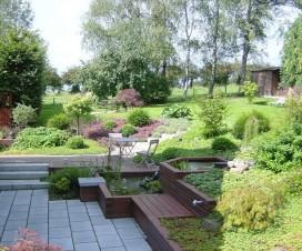 terrasse-avec-jardin-en-pente-1
