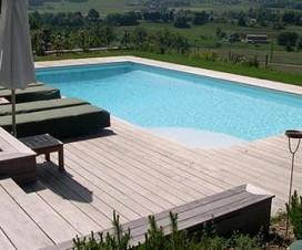 terrasse-bois-avec-piscine-1