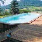 terrasse-avec-piscine-en-bois-1