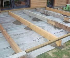 terrasse-bois-plot-beton-1