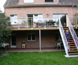 terrasse-suspendue-en-metal-belgique-1